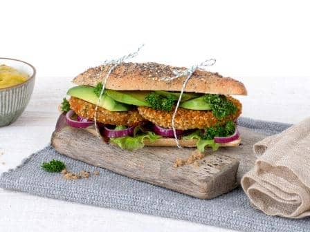 Meat substitute: Vegan Bean Quinoa Burger